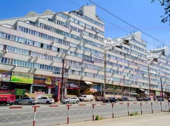 Apartament cu 2 odăi+ living  Decebal, Jumbo