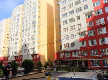 Apartament bilateral, cu 2 camere și euroreparație