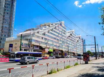 Oficiu Jumbo chirie la doar 6 euro m/p  la etaj