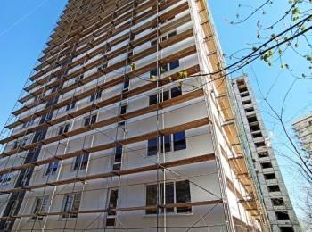Apartament spațios 3 odăi, 98 m2. Preț total 47 992 euro.
