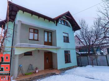 Casa cu 2 nivele in Chirie termen lung sector Riscani