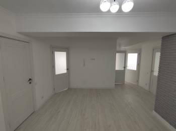 Apartament 3 odai + living