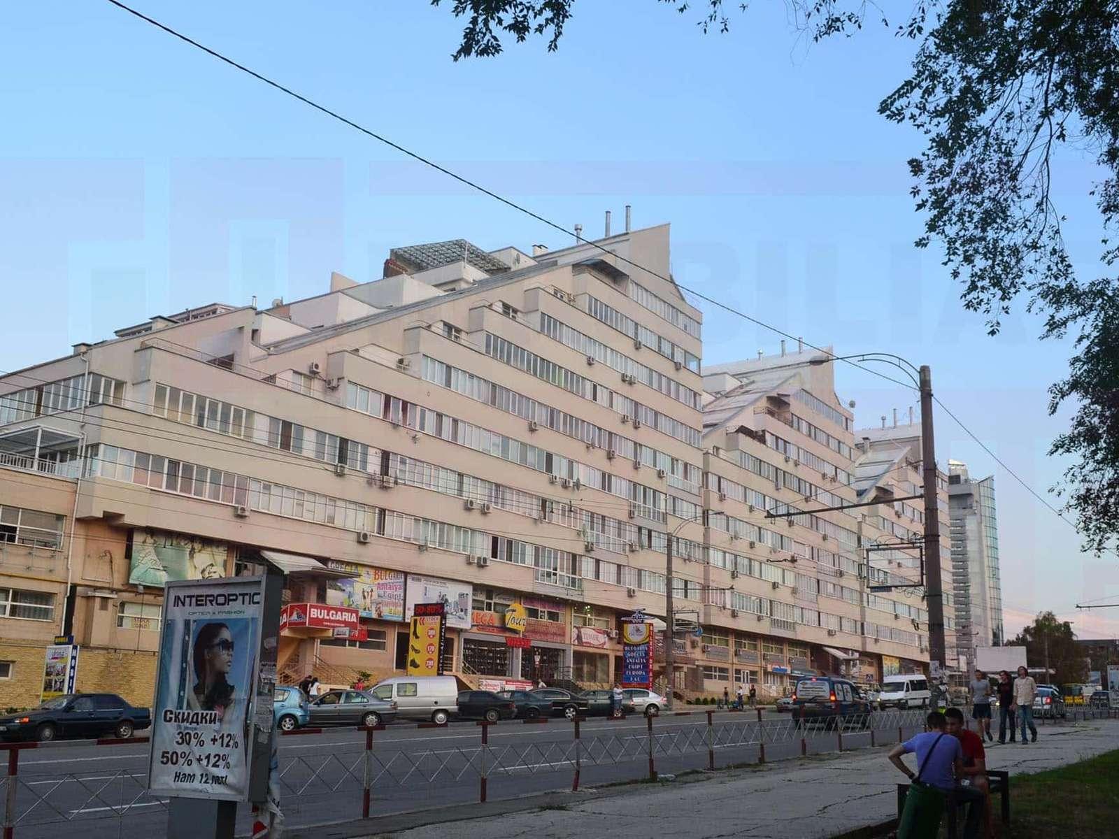 Apartament cu 3 odai și terasă la Jumbo