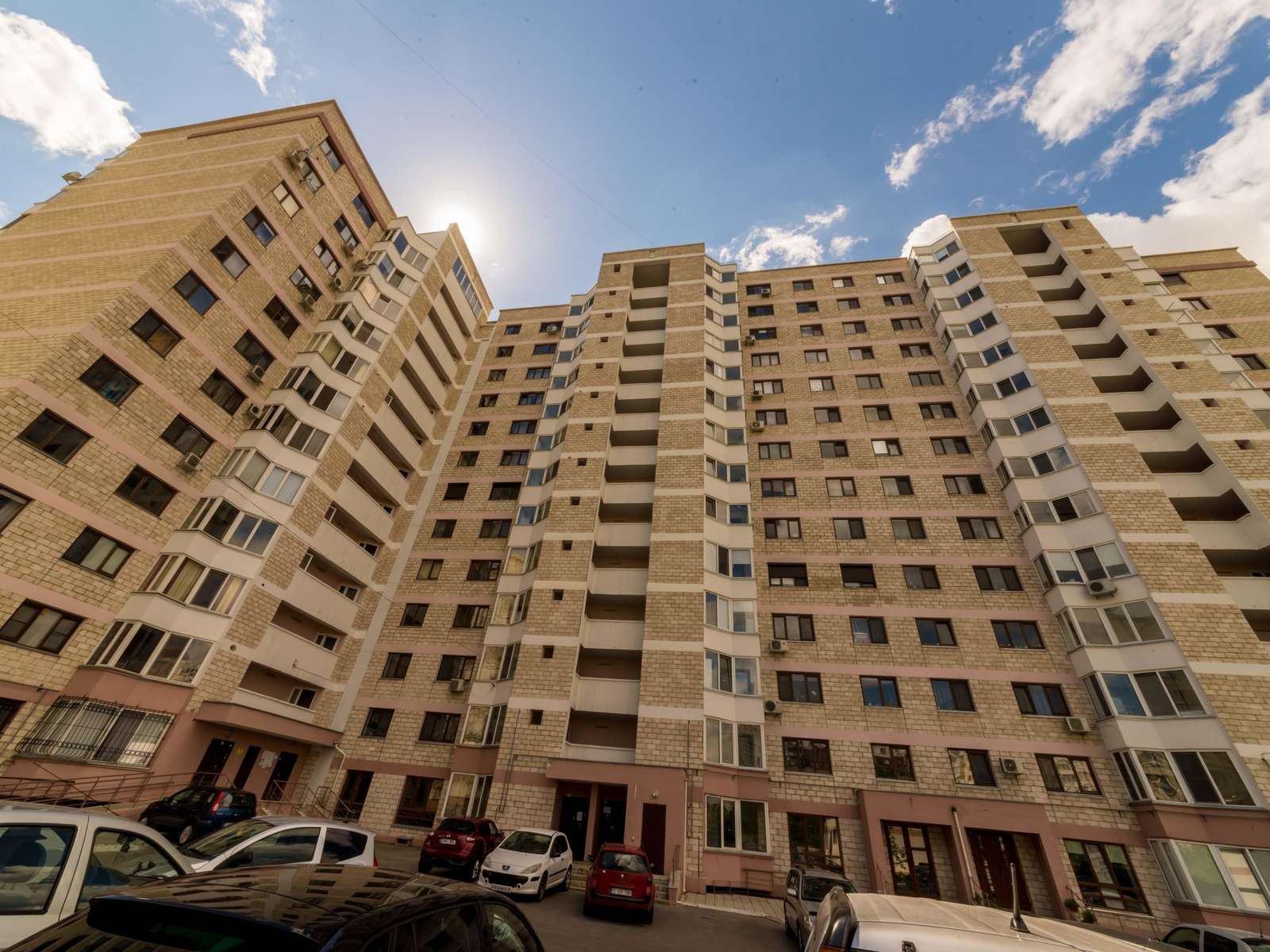 Apartament 3 camere lux Riscani