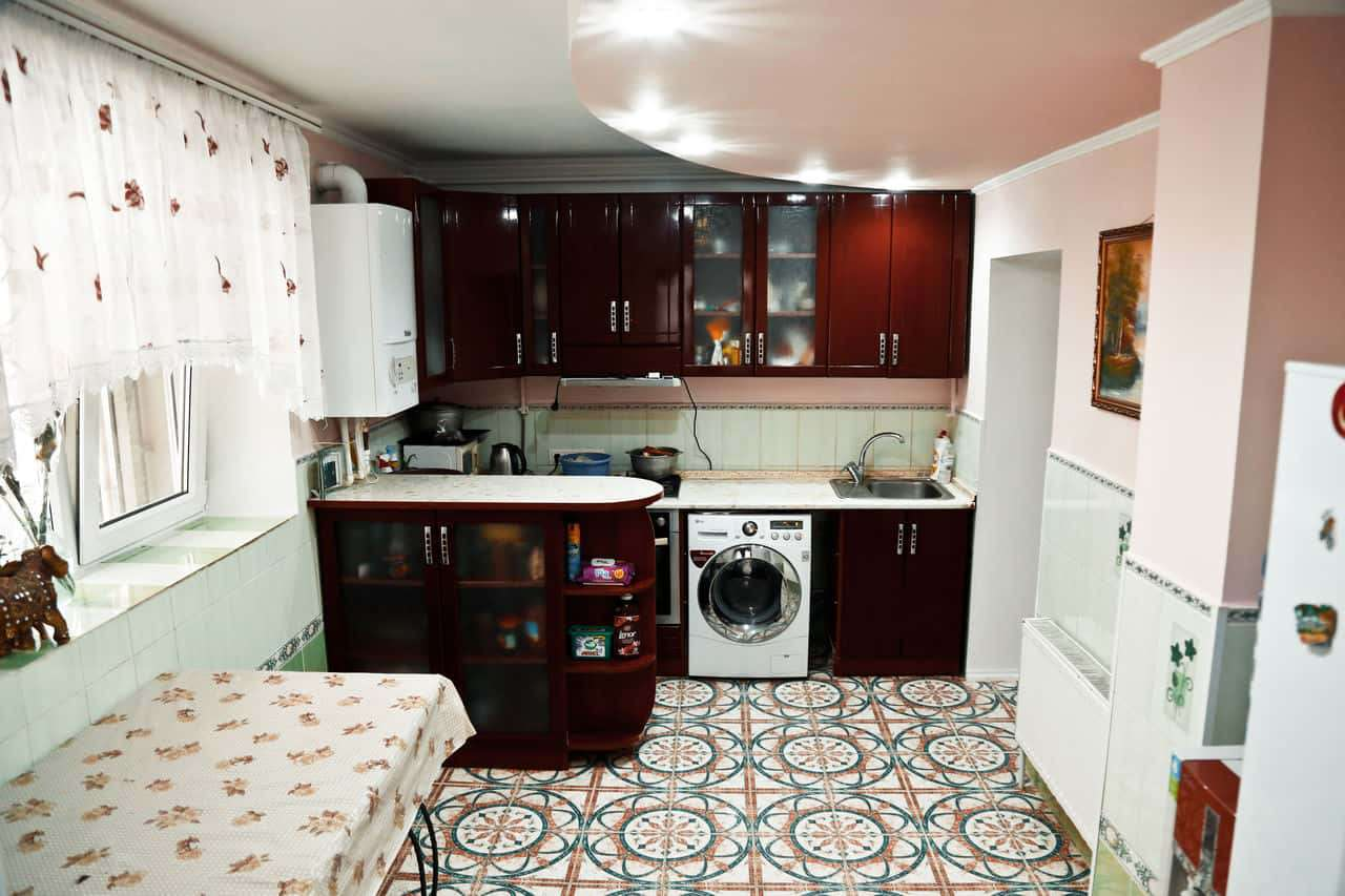 Apartament 3 camere mobilat și utilat