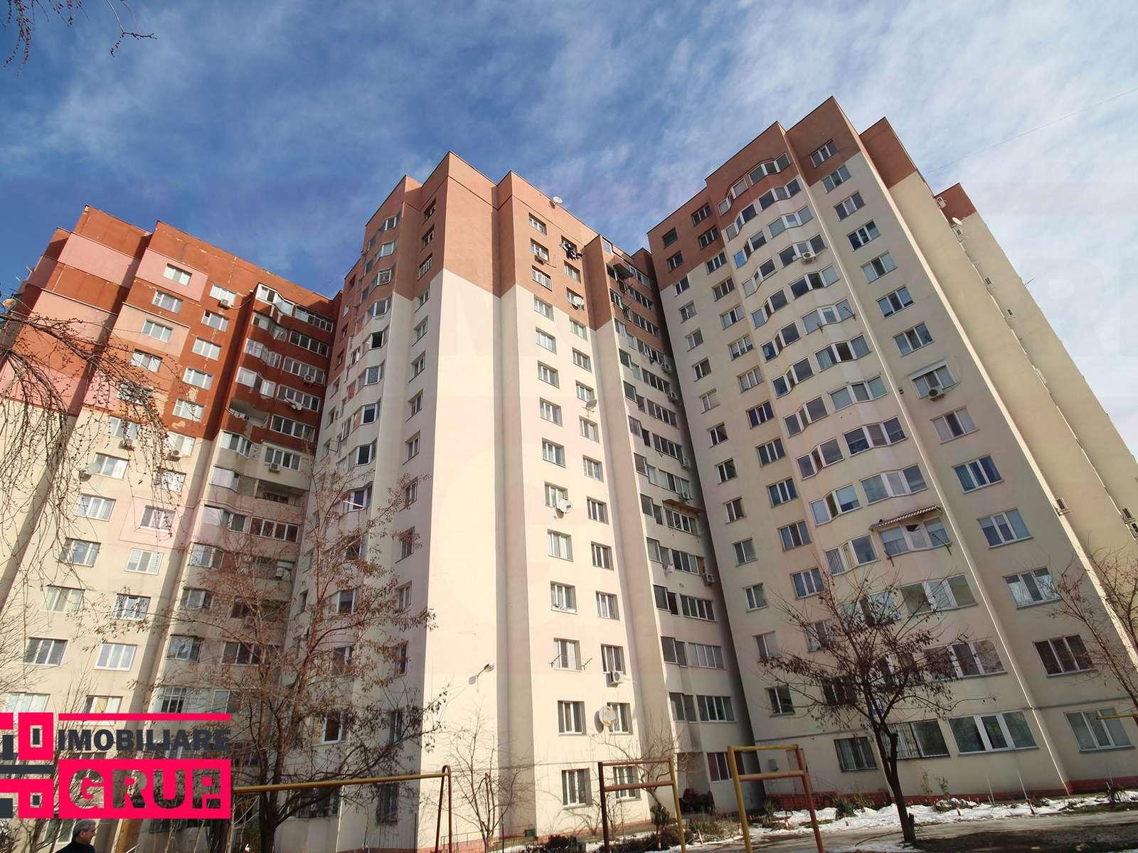 Se vinde urgent apartament cu 3 odăi