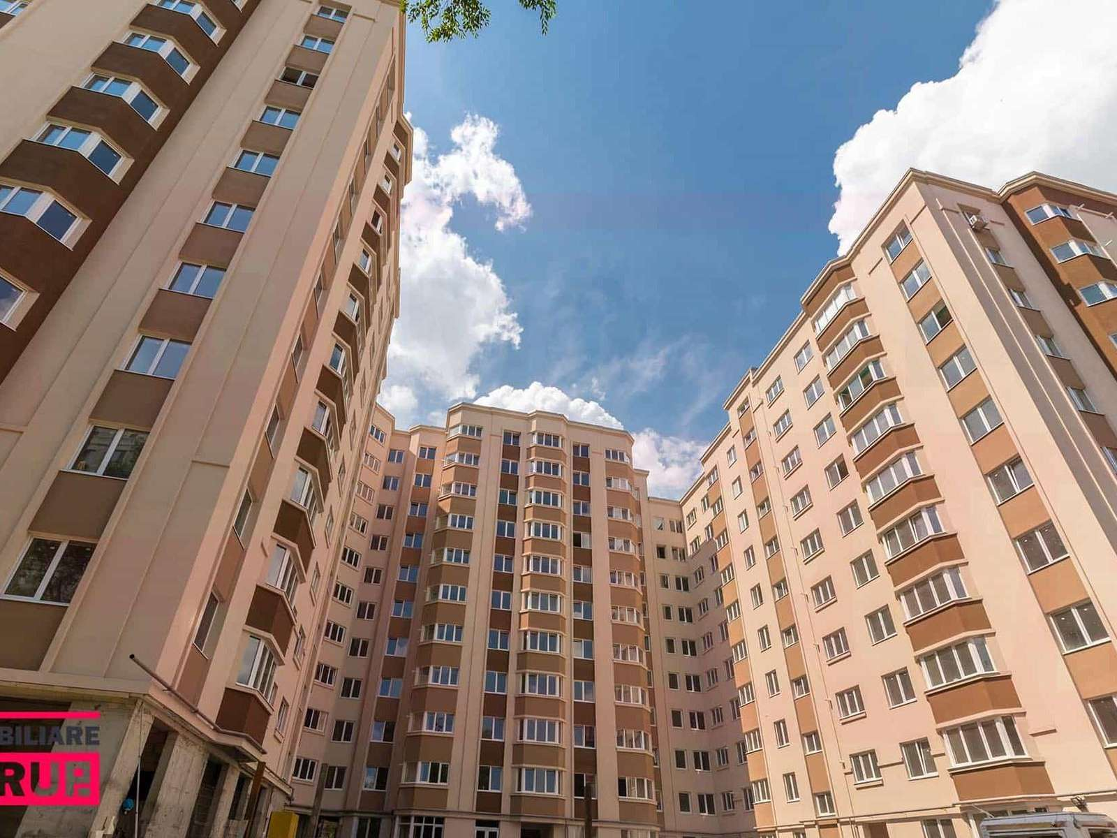 Apartament finisat cu 3 camere Așhabad 127 la super pret de 495 euro