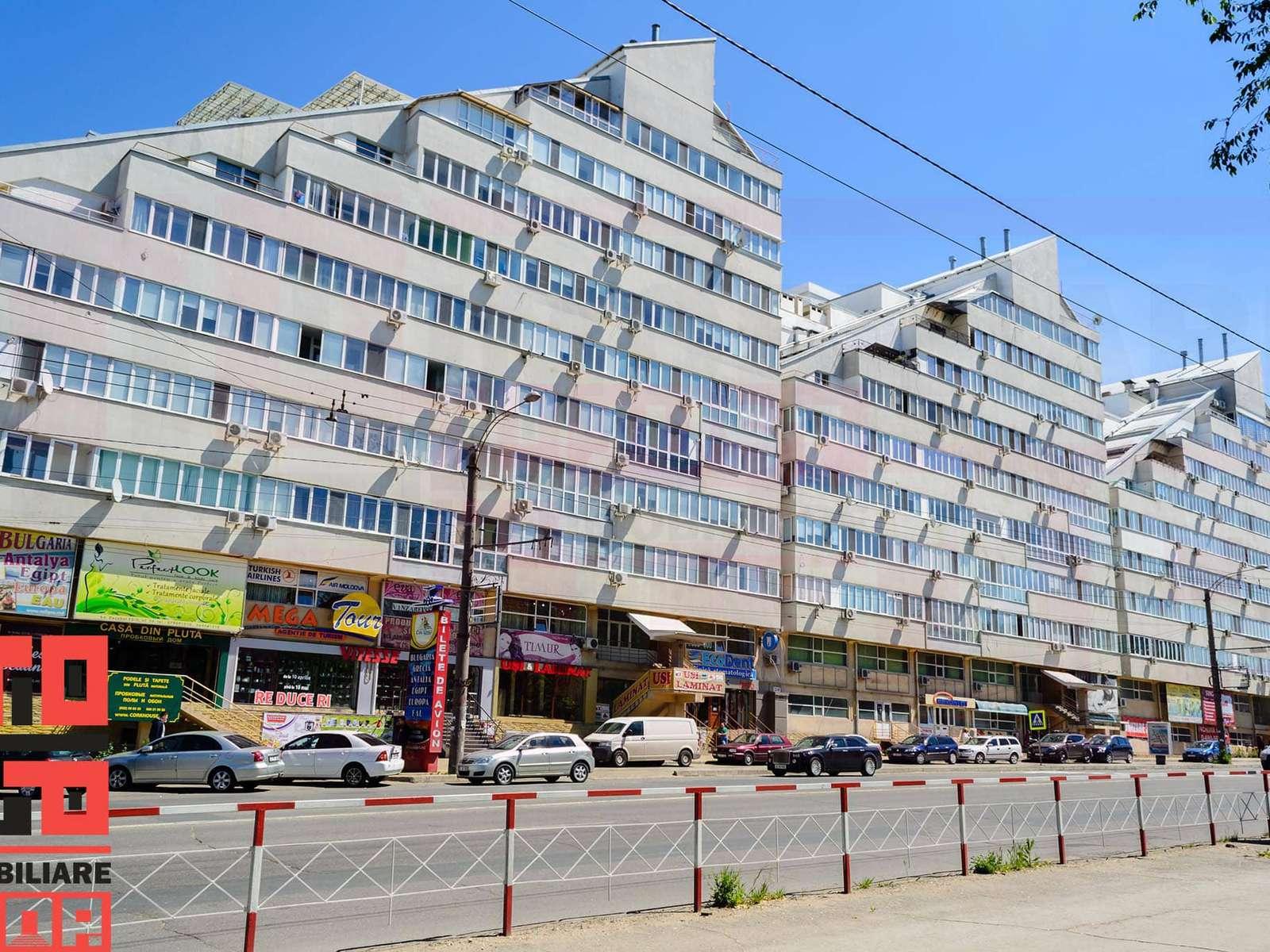 Apartament cu 3 camere cu euroreparație în bloc nou
